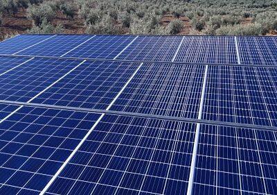 Instalación de placa fotovoltaica aislada en Granada