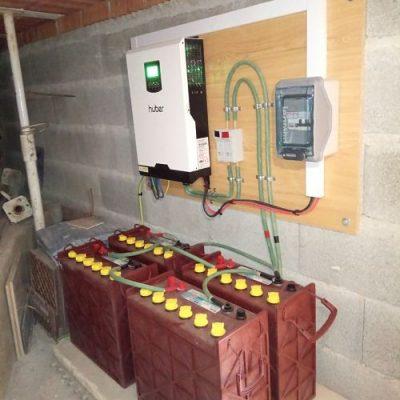 Baterías de una instalación fotovoltaica aislada en Granada