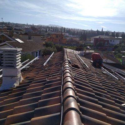 como se instalan placas fotovoltaicas de autoconsumo a la red en Granada